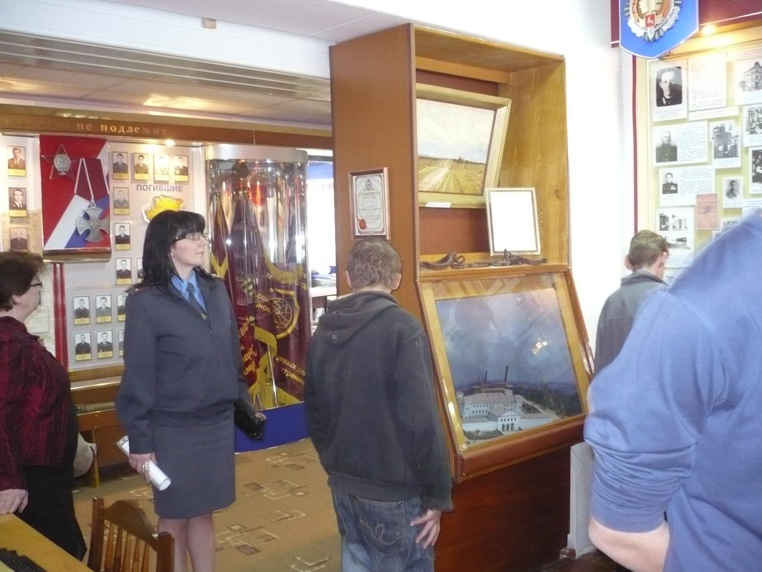 I:\Архив\разное рабочий стол\разное\Т.А\экскурсия в музей ГУВД\P1030059.JPG