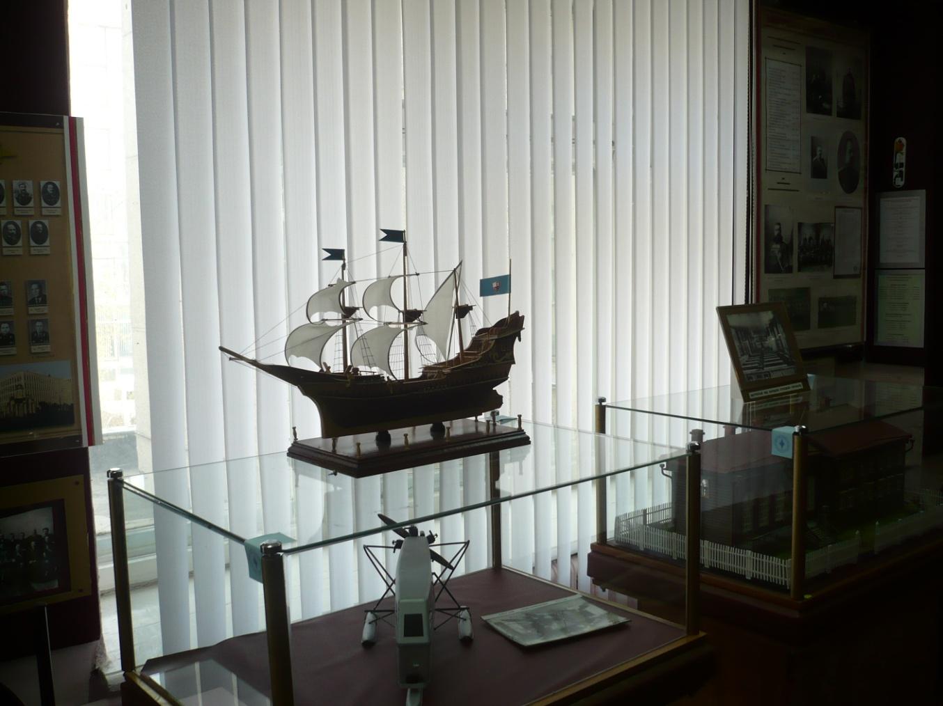 I:\Архив\разное рабочий стол\разное\Т.А\экскурсия в музей ГУВД\Первый русский корабль Орёл.JPG