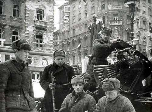 http://second-world-war.users.photofile.ru/photo/second-world-war/596987/xlarge/12365690.jpg