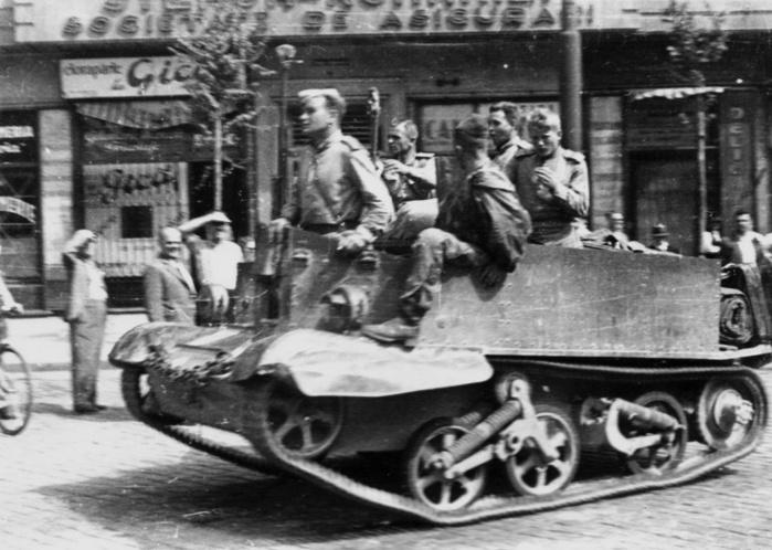 30 августа 1944 года части советской армии вступили в Бухарест... Война и все о ней