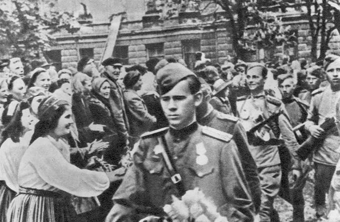 Красные флаги в День Победы стали обязательными - Страница 18 - Украина, мир - Форум Днепродзержинска. Событие.