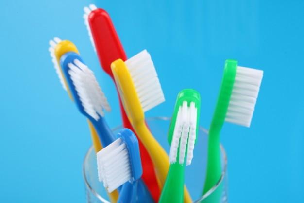 http://cdns2.freepik.com/free-photo/toothbrush--tooth--dental-paste--toothbrushes_3315184.jpg