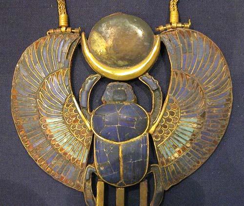 http://www.egiptologia.com/images/stories/religion/signos-simbolos/piedra-lapislazuli.jpg