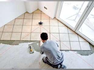 Если стены облицовывают плитками впервые, то сначала выбирают, каким образом