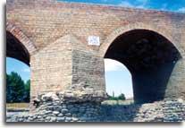 http://azerbaijan.az/_Culture/_Architecture/images/architecture_01_3.jpg