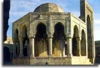 http://azerbaijan.az/_Culture/_Architecture/images/architecture_01_1.jpg