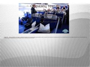 Задача 16. На борту самолёта 12 мест рядом с запасными выходами и 18 мест