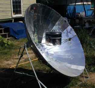 16_parabolic-sun-cooker_20010830