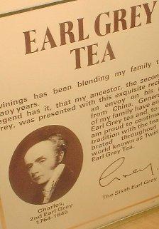 Тот самый Грей на банке одноименного чая от Twinings