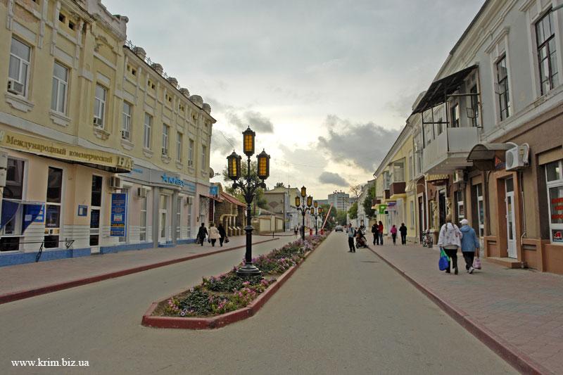 http://www.krim.biz.ua/feodosija/feodosija-1-foto.jpg