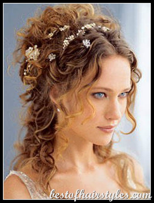 http://www.bestofhairstyles.com/wp-content/uploads/2012/07/bridesmaid-hairstyles-2011-3.jpg