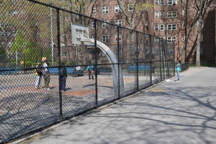 Бронкс - дворы,площадки,досуг TRIPOSTA