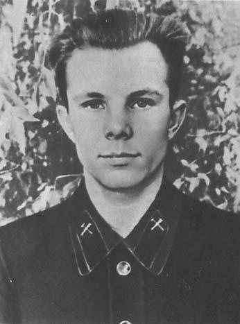 D:\мама Ира\СТЕНД\КОСМОС\Гагарин 1\15.jpg