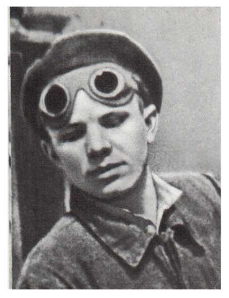 D:\мама Ира\СТЕНД\КОСМОС\Гагарин 1\15б.jpg