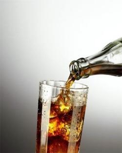 Основу большинства газированных напитков составляет вода с добавлением кислых и сладких компонентов, или, попросту, кислоты и сахара