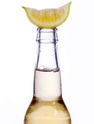 Газированные напитки содержат кислоты, чаще лимонную или ортофосфорную