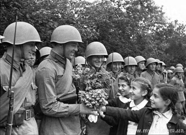 4 апреля 1944 - РККА отрезала одесской группировке фашистов пути отхода в Румынию.