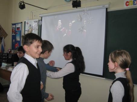 F:\круглый стол Мы разные, но мы вместе - 03.02.2015\учим танцы армян.JPG