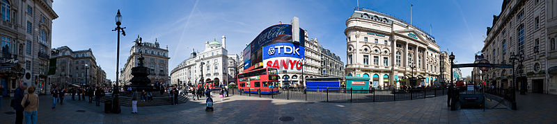800px-Piccadilly_Circus_Panorama_-_April_2007.jpg