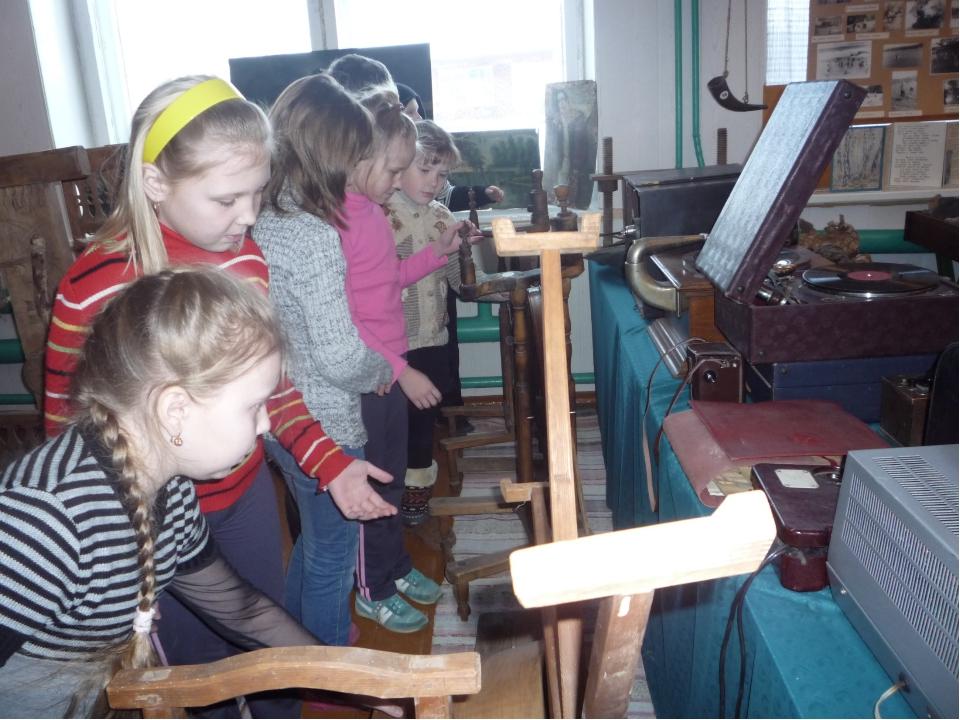 Вторая неделя: Экскурсия в школьный музей