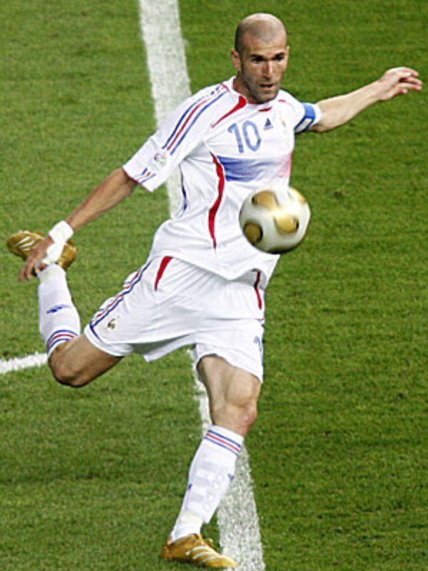 http://www.futbol.net.tr/resimler/galeriler/bir-futbol-efsanesi-zinedine-zidane_445842938.jpg