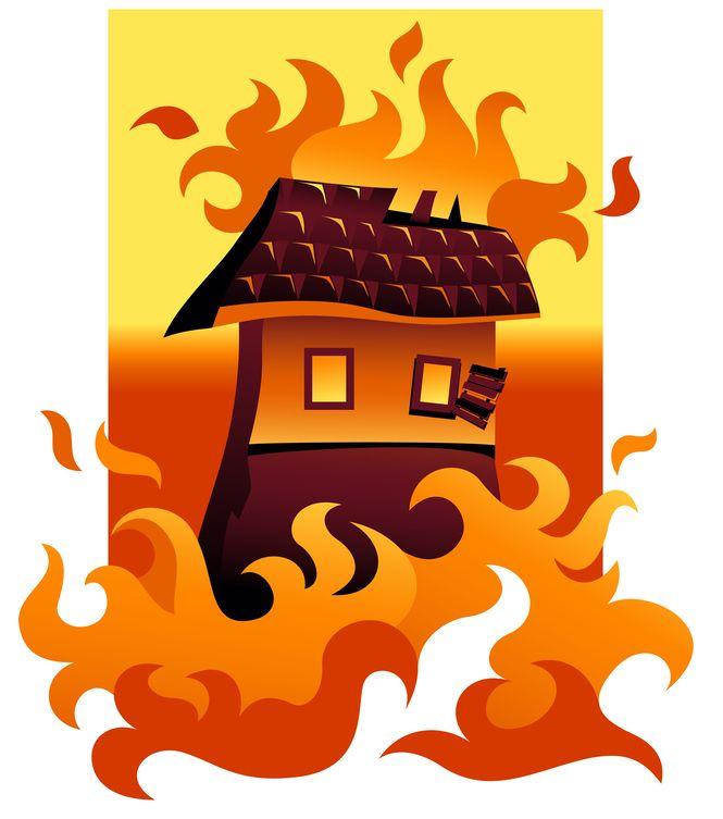 18 семей остались без жилья после пожара в Подмосковье