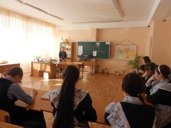 D:\ФОТОЧКИ\фото нашего класса\кл. час о саре назарбаевой\DSCN2371.JPG