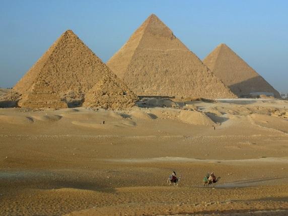 http://1001fact.ru/wp-content/uploads/2011/12/piramida_heopsa-1024x768.jpg