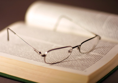 C:\Documents and Settings\Вано\Рабочий стол\ХИМИЯ\chp_book_glasses.jpg