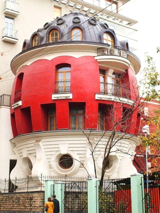 Москва онлайн - Удивительные сооружения в Москве - дом-яйцо