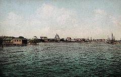 http://upload.wikimedia.org/wikipedia/commons/thumb/3/3e/Evpatoria_1916.jpg/240px-Evpatoria_1916.jpg