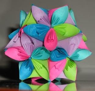 http://podelki-shop.ru/wp-content/uploads/2010/09/Origami-12.jpg
