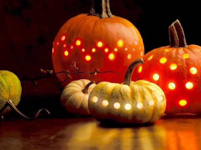 http://aibob.files.wordpress.com/2011/10/halloweenwallpaper2011035.jpg?w=640&h=480