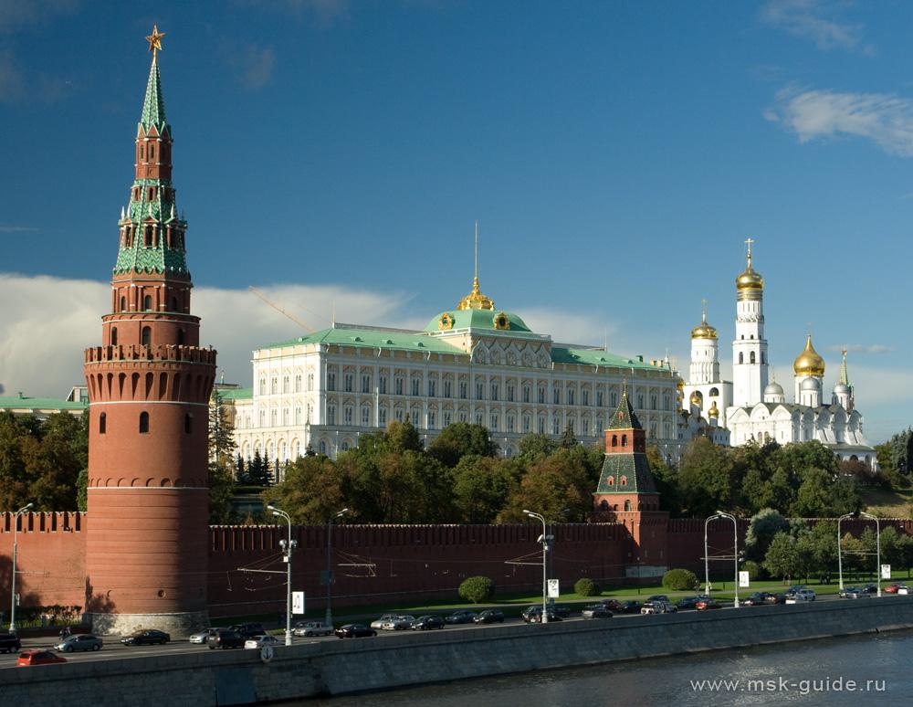 Вид на Водовзводную башню, Большой Кремлевский дворец и колокольню Иван Великий