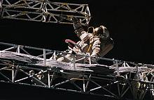 https://upload.wikimedia.org/wikipedia/commons/thumb/f/f7/Onufriyenko-Sofora-EVA.jpg/220px-Onufriyenko-Sofora-EVA.jpg