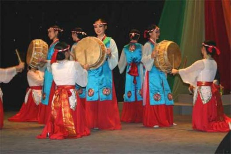 Государственный центр традиционных исполнительских искусств, Южная Корея , Сеул достопримечательности