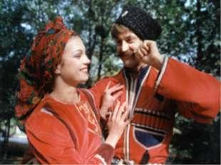 Голову летом в поле покрывали войлочной шляпой горского типа или плетёными из