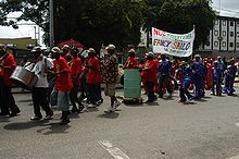 http://upload.wikimedia.org/wikipedia/commons/thumb/2/25/TrinidadCarinvalParade.jpg/220px-TrinidadCarinvalParade.jpg