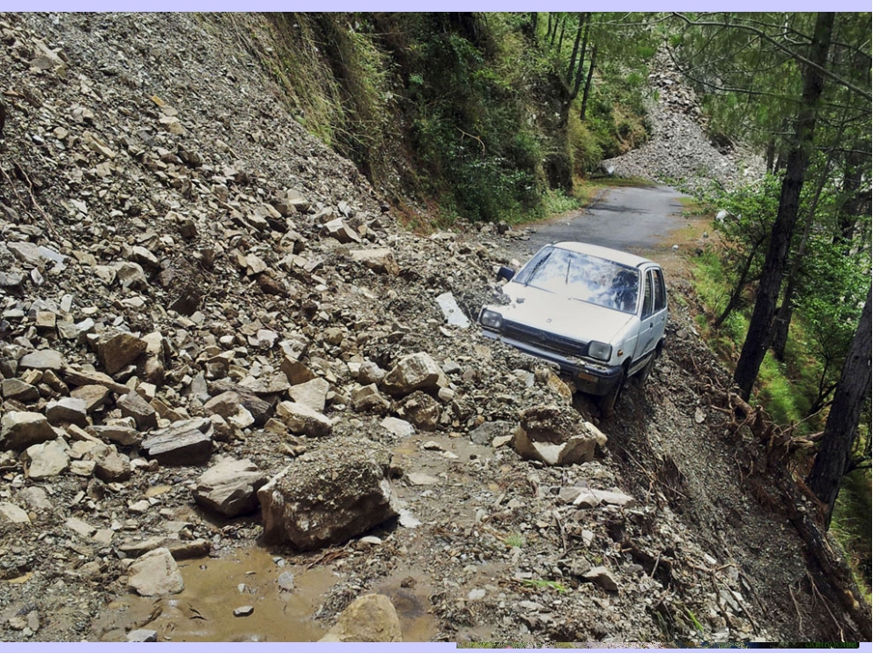 Обвал — отрыв и падение масс горных пород вниз со склонов гор под действием с...
