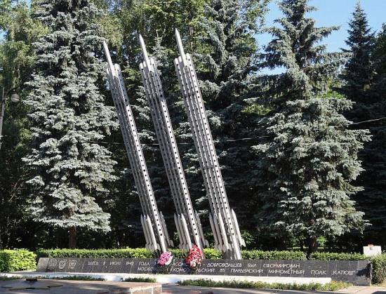 Мемориальный комплекс на площади Мужества в Измайловском парке
