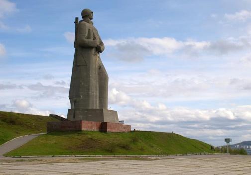 Мурманск получил звание Город-Герой