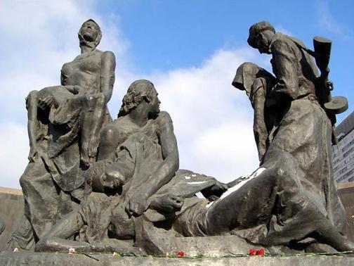 Город герой Ленинград. Скульптурная композиция
