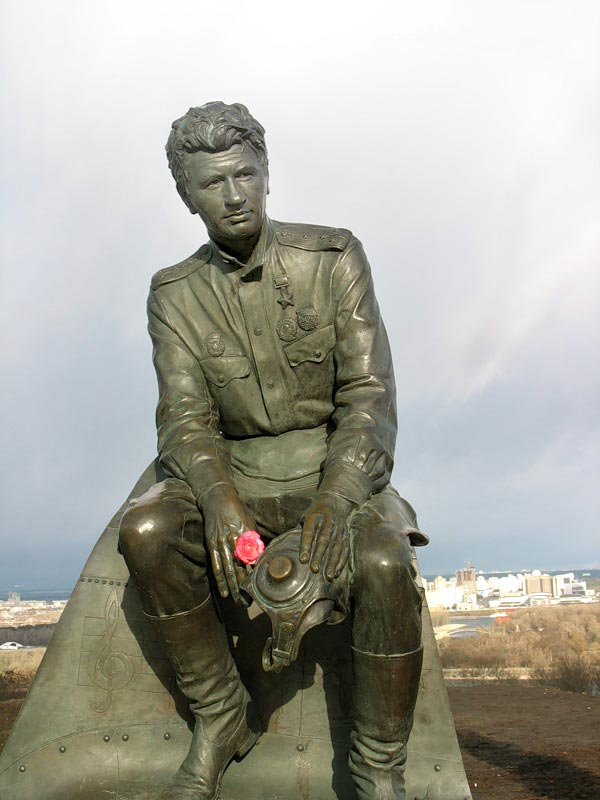 Город-герой Киев. Памятник военным лётчикам. Леонид Быков