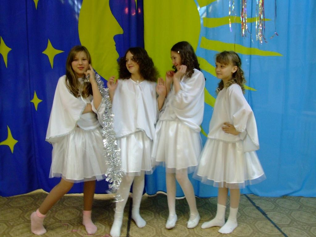 D:\Доки Аленки\Фотоальбом\Конкурс\Карнавальные костюмы для конкурса\DSCF1346.JPG