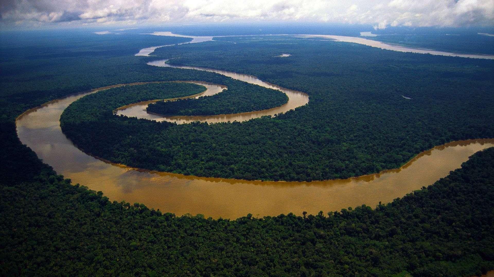 http://geographyofrussia.ru/wp-content/uploads/2009/04/Meandering-Tigre-river-Peruvian-Amazon_www.FullHDWpp.com_.jpg