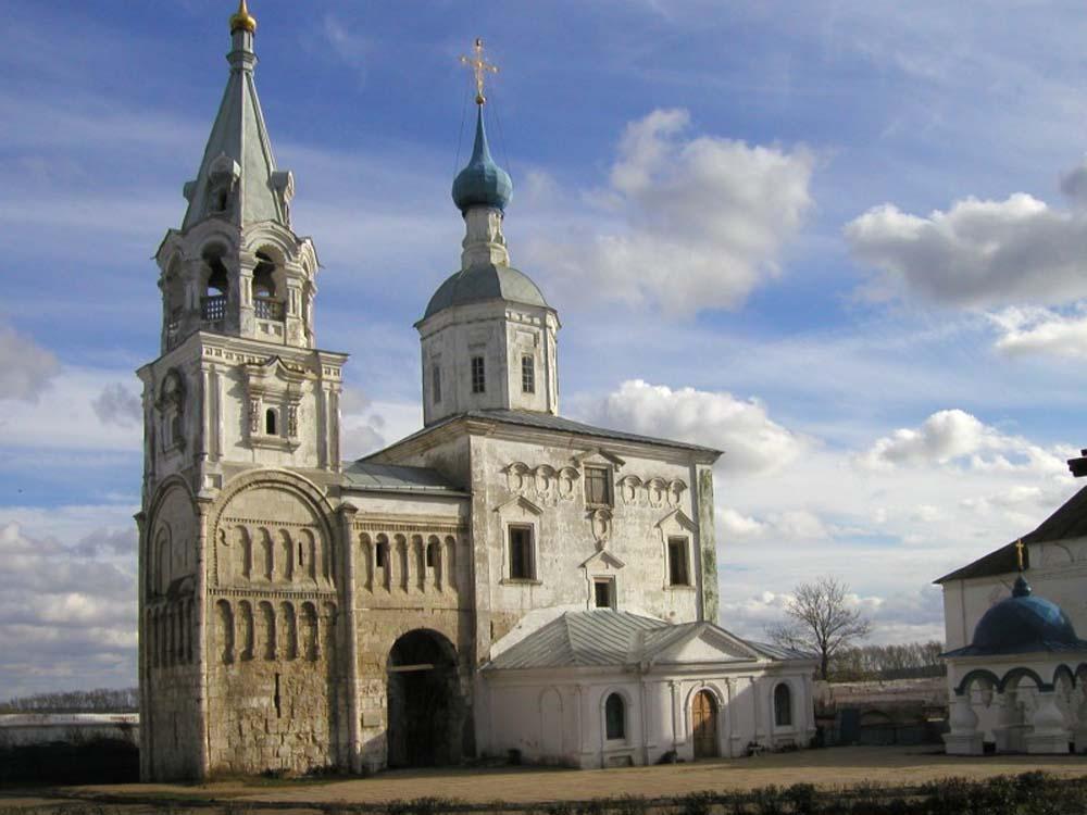 Боголюбово - бывшая резиденция князя Андрея Боголюбского (правил с 1157...