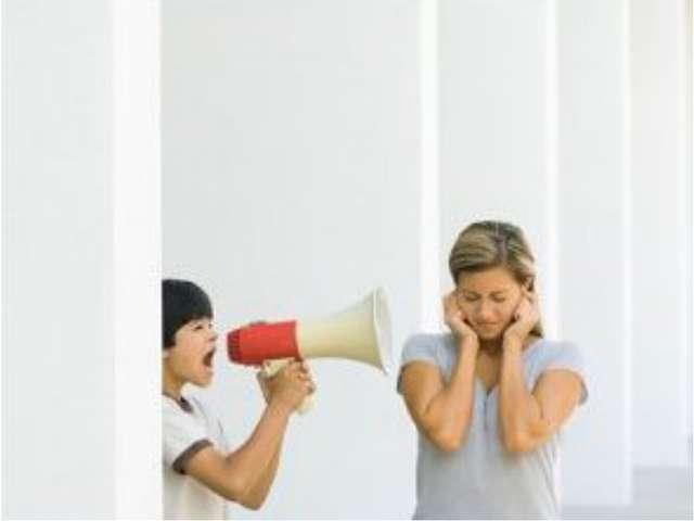 Сегодня чаще мама «воспитывает спиной», родители тратят на воспитание детей...
