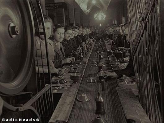 Изготовление деталей для снарядов на оборонном заводе. Москва | 9 мая,вторая мировая война,документальное фото,архивные фотографии,фотохроника великой отечественной войны,великая отечественная война,друга світова війна,велика вітчизняна війна