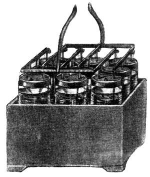 Первый свинцовый аккумулятор