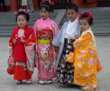 http://ic.pics.livejournal.com/letidor_afisha/44838885/231692/original.jpg